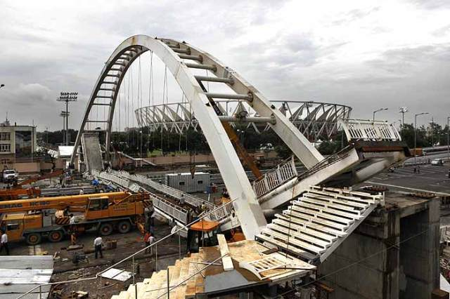 CWG bridge collapse